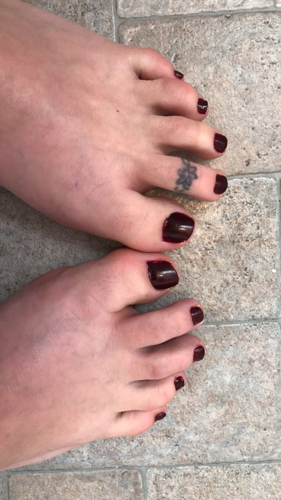 Glamour Nails: 219 1st St E, Milan, IL