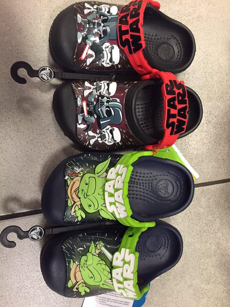 978e9d9e5f7f3 Crocs - 24 Photos   39 Reviews - Shoe Stores - 447 Great Mall Dr ...