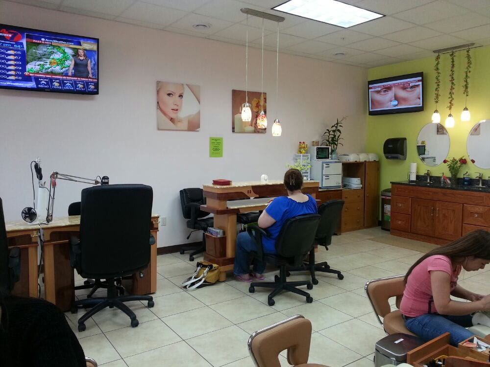 Pro Nails: 2028 County Rd Hh, Plover, WI