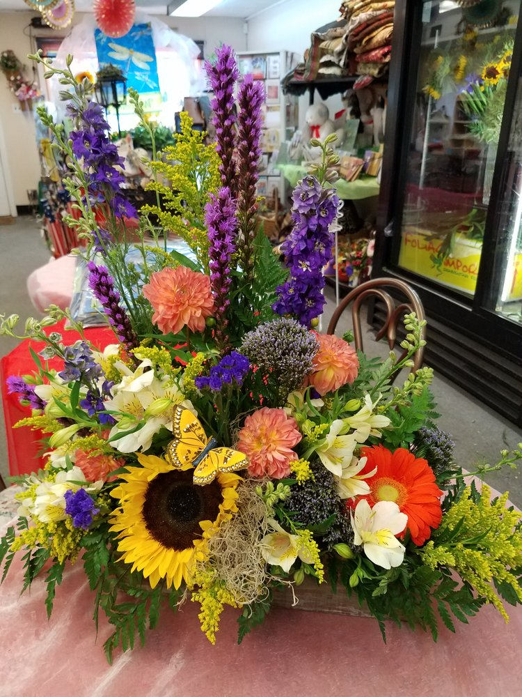 Designs by Maria Anastatsia: 607 N 19th St, Allentown, PA