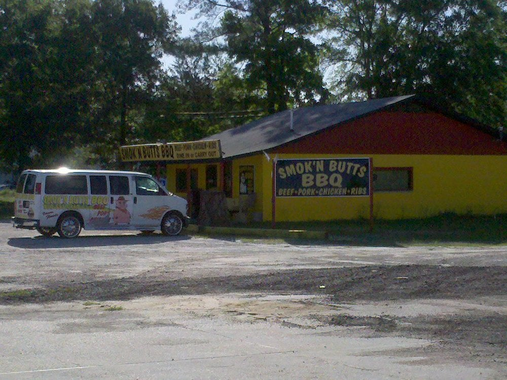 Smoke N Butts: 3284 Main St, Vernon, FL