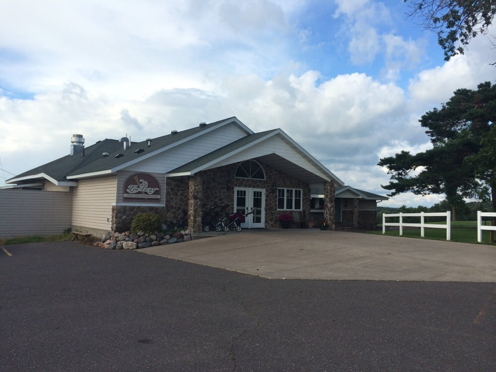 Tee-Away Golf Course and Supper Club: 1401 E 11th St N, Ladysmith, WI