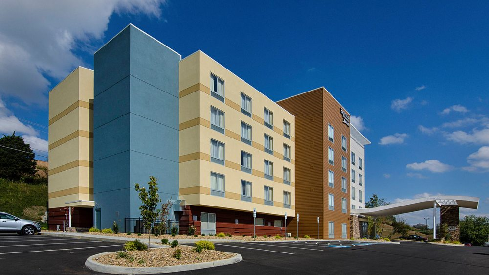 Fairfield Inn & Suites by Marriott Abingdon: 923 E Main St, Abingdon, VA