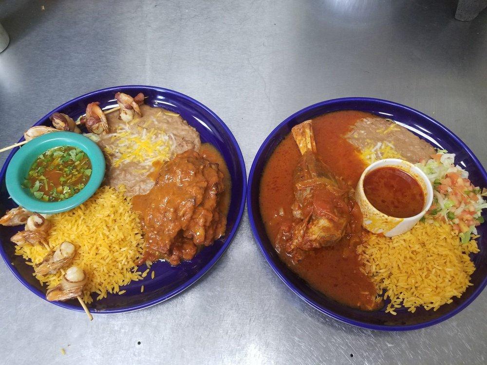 Los Compadres Mexican Restaurant: 312 Sussex Ave E, Tenino, WA