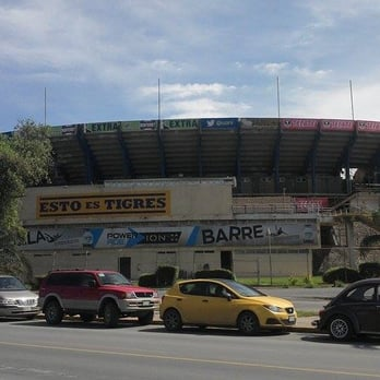 Estadio universitario 15 fotos y 13 rese as puerta 13 for Puerta 9 estadio universitario