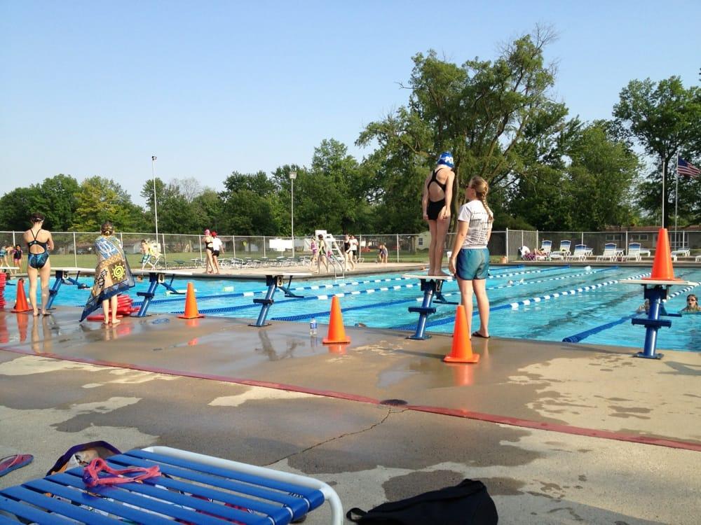 Pocahantas Swim Club: 3020 Ojibway Trl, Fort Wayne, IN