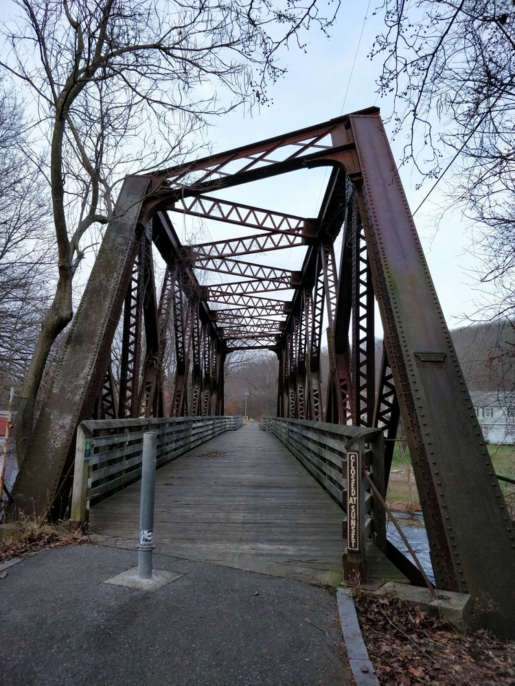 Moosup Valley State Park Trail: Village Center Cir, Plainfield, CT