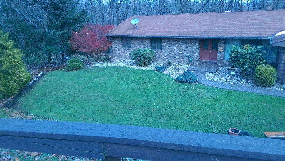 Derek's Grass Cutting Service: 124 Greenwood Dr, Butler, PA
