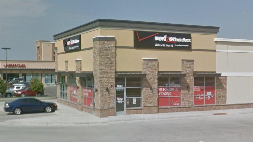 CellOnly - Verizon Authorized Retailer: 945 29th St SE, Watertown, SD