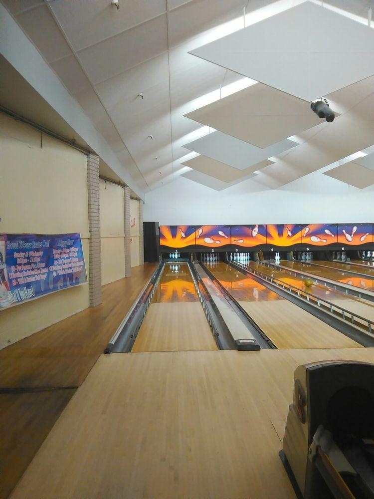 Bowling Centers-Bowlero Lanes