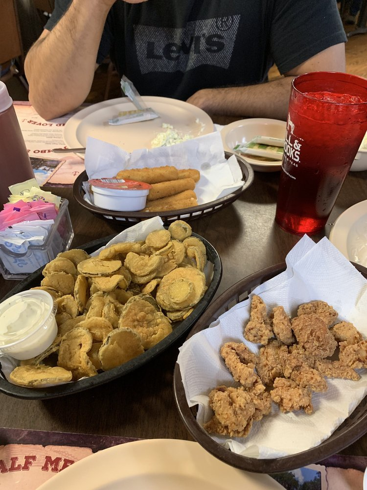 Ray's Millpond Cafe: 875 Rays Mill Pond Rd, Ray City, GA