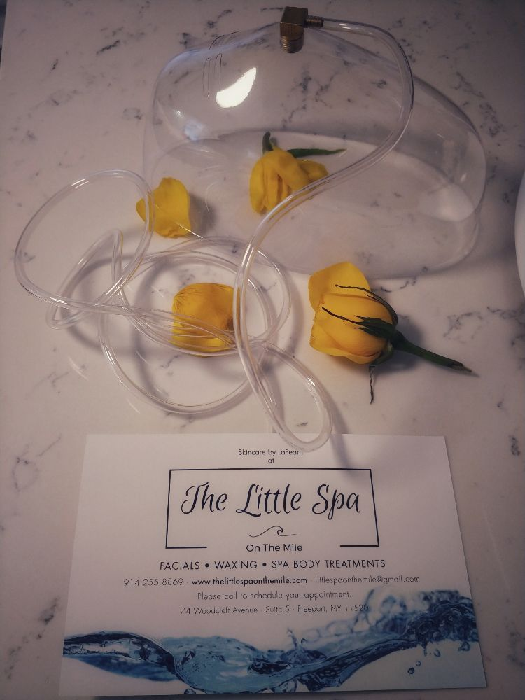 The Little Spa On The Mile: 74 Woodcleft Ave, Freeport, NY