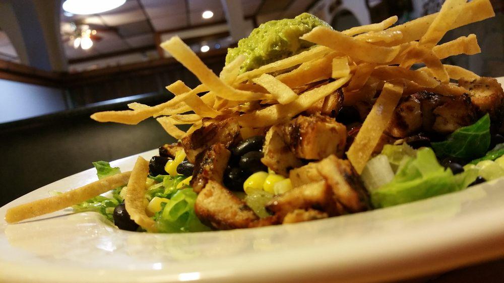 Richie's Grill & Cafe: 301 E Coke Rd, Winnsboro, TX