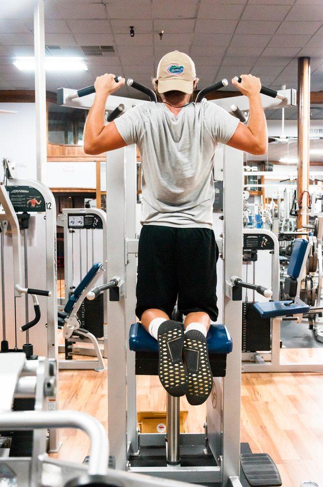 Fitness Club Merritt Island: 260 E Merritt Island Cswy, Merritt Island, FL