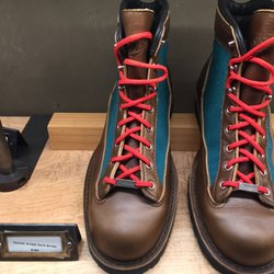 Danner 30 Photos Amp 32 Reviews Shoe Stores 1022 W