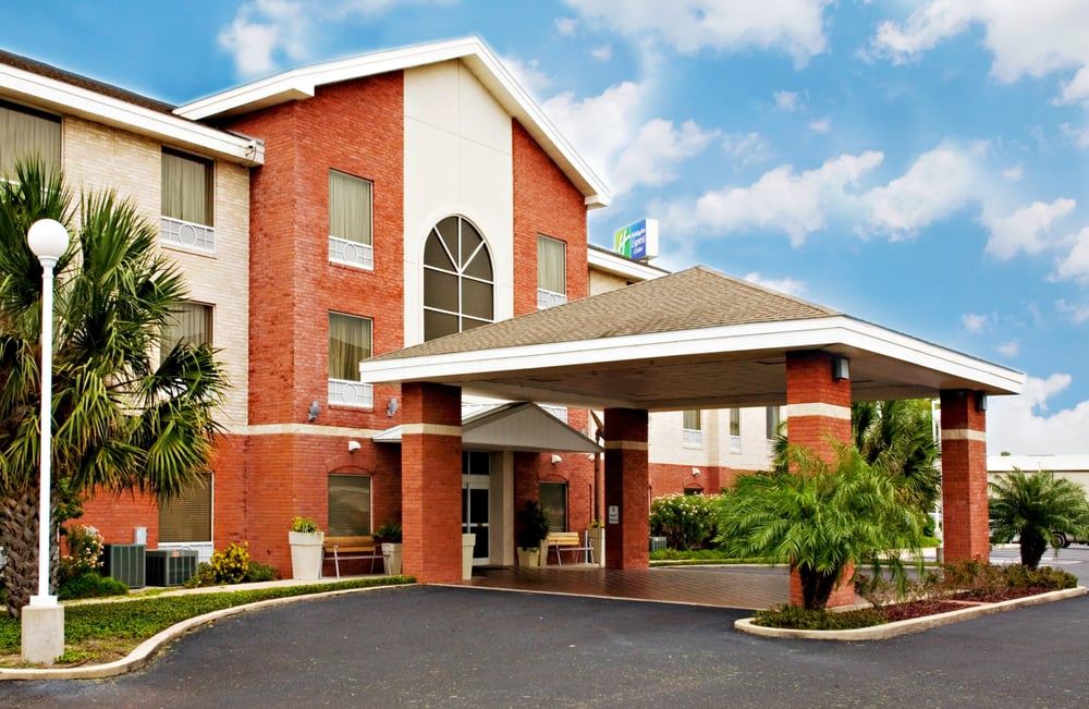 Holiday Inn Express & Suites Weslaco: 421 S International Blvd, Weslaco, TX