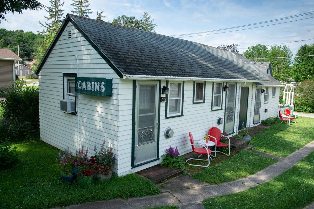 Historic Knotty Pine Cabins: 607 Fillmore Ave S, Lanesboro, MN