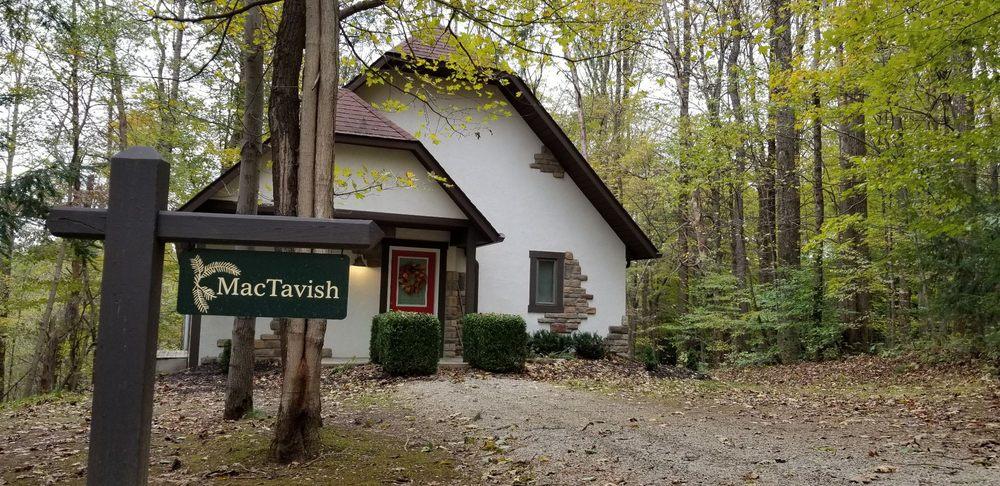 Glenlaurel Inn & Cottages: 14940 Mount Olive Rd, Hocking Hills, OH
