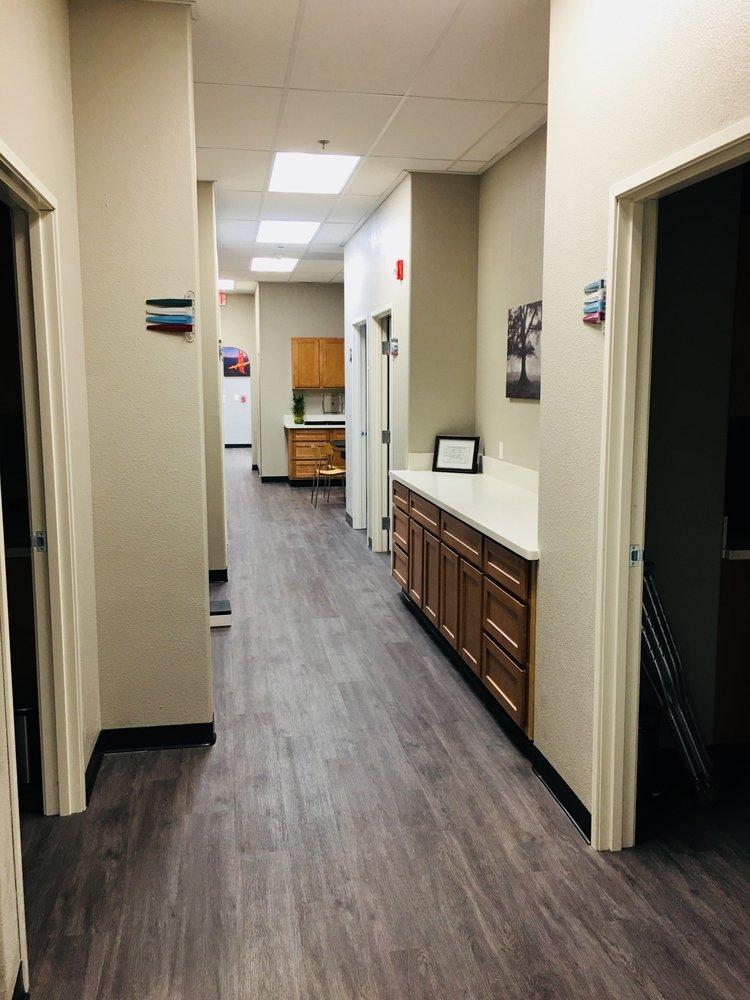 Modern Urgent Care: 1630 W Yosemite Ave, Manteca, CA