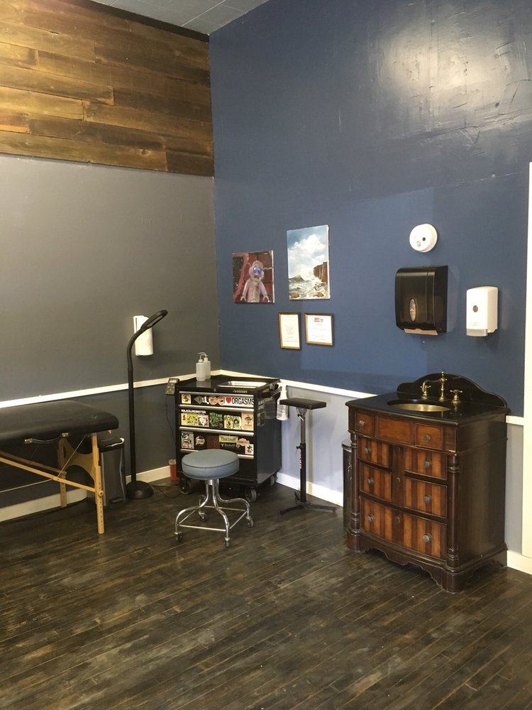 Shipyard Tattoo Company: 2700 Sonoma Blvd, Vallejo, CA