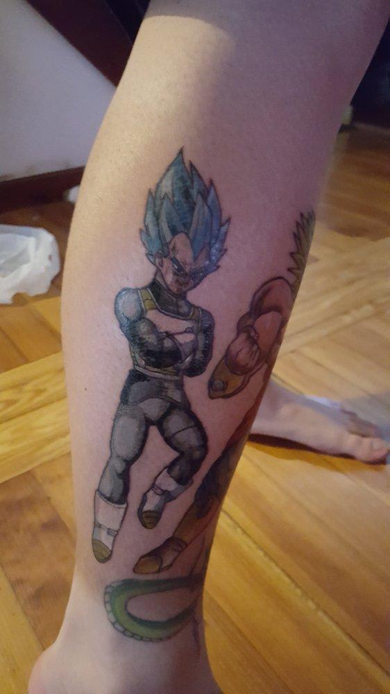 Mystery ink tattoo body piercing 31 photos tattoo for Main st tattoo