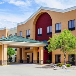 comfort suites 19 photos 19 reviews hotels 2620 s dirksen rh yelp com