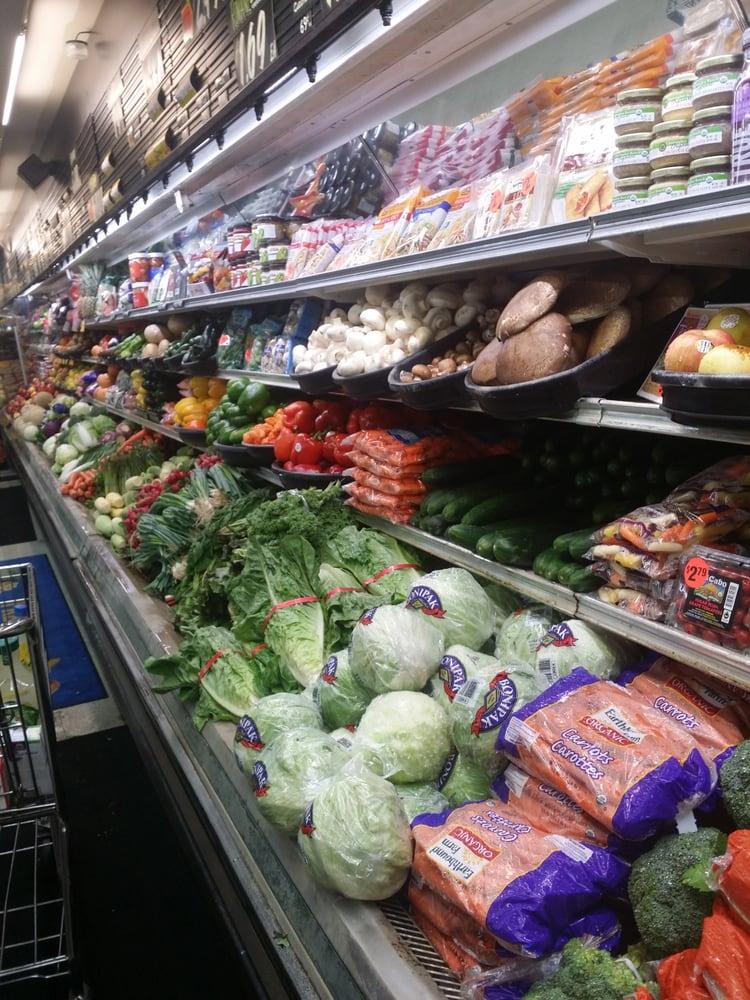 Holcomb's Market: 320 S Columbus Ave, Goldendale, WA