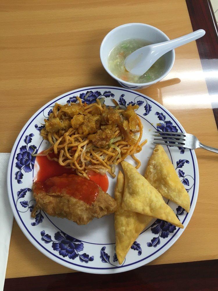 Wild Chinese Buffet: 651 North Cherokee Ln, Lodi, CA