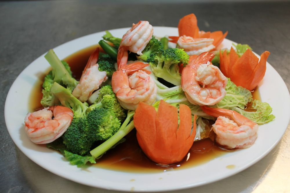 Lisu's Thai Taste - Cottage Grove: 7145 E Point Douglas Rd, Cottage Grove, MN
