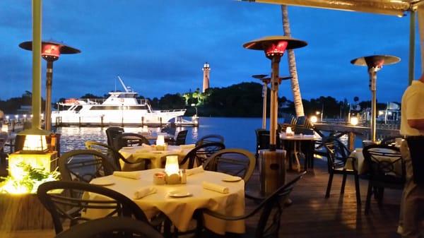 Jettys Waterfront Restaurant 1075 N Highway A1a Jupiter Fl Bars