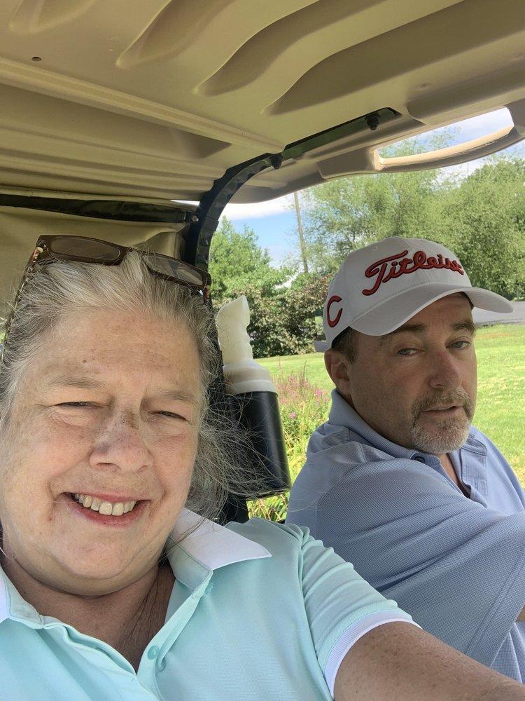 Twin Oaks Golf and Magnolia Room: 450 E 43rd St, Covington, KY