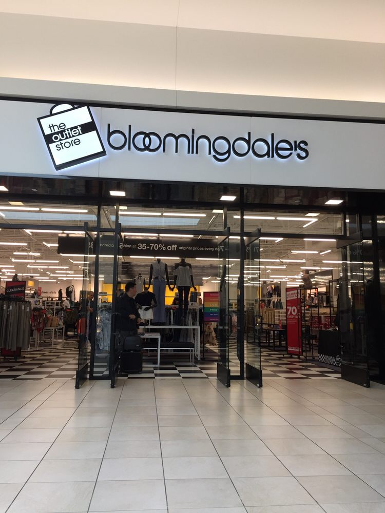 Bloomingdale's Outlet Fashion Outlets of Chicago