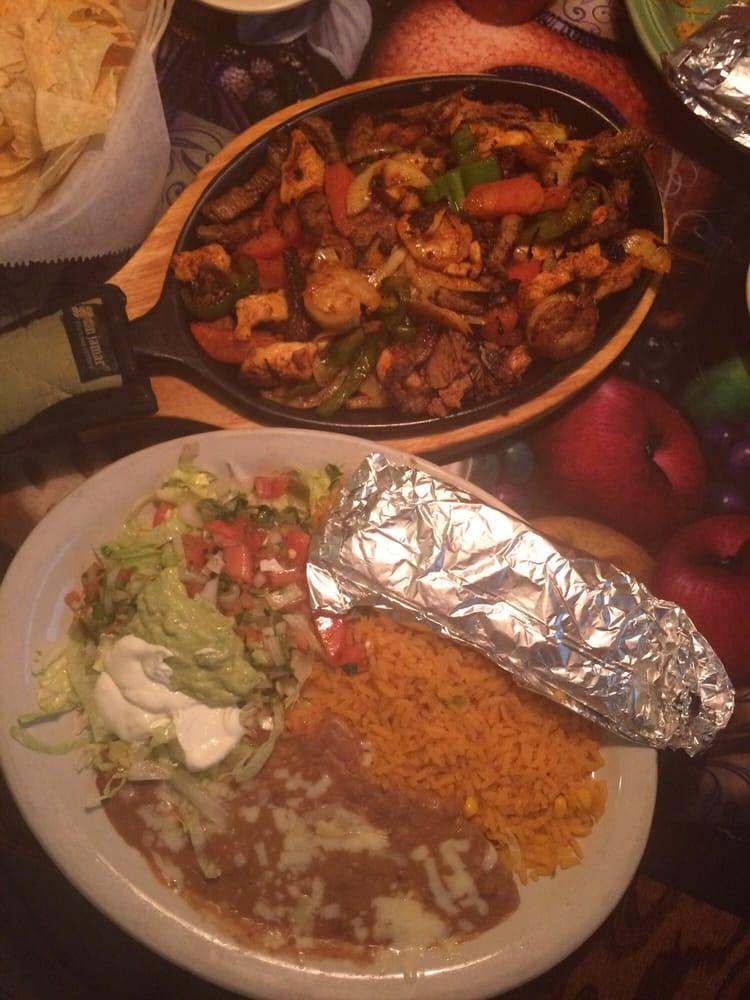 Guacamole Mexican Restaurant: 605 Jefferson St, Ava, MO
