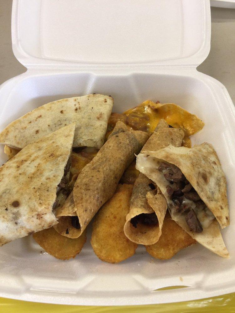 Jarritos Mexican Restaurant & Bar: 1380 E Hwy 67, Alvarado, TX