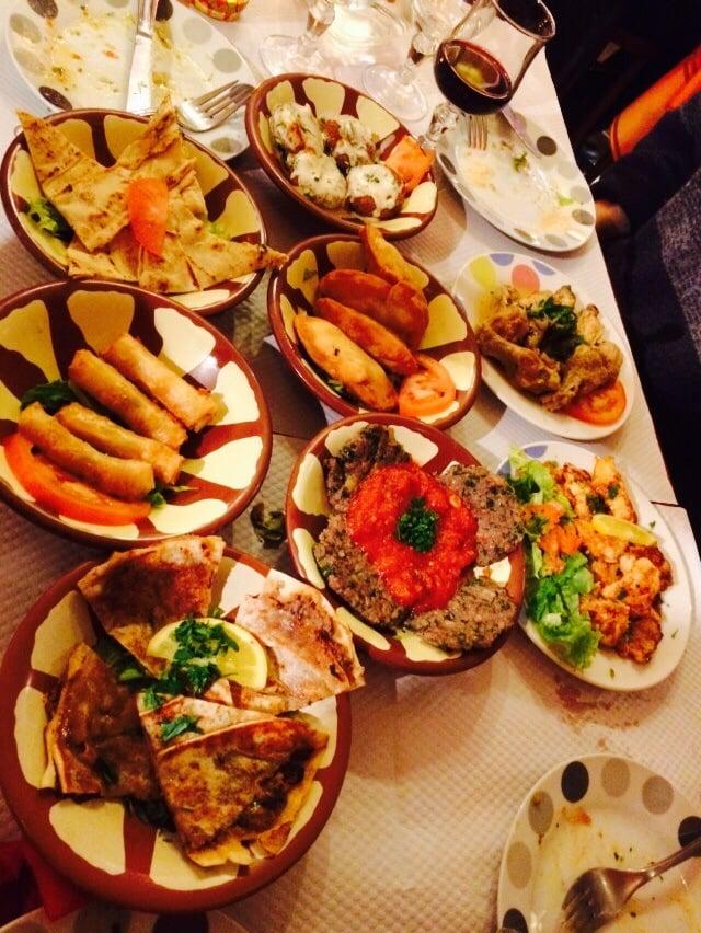 Bybloss 29 reviews libanees 13 rue st malo rennes for Restaurant o 23 rennes