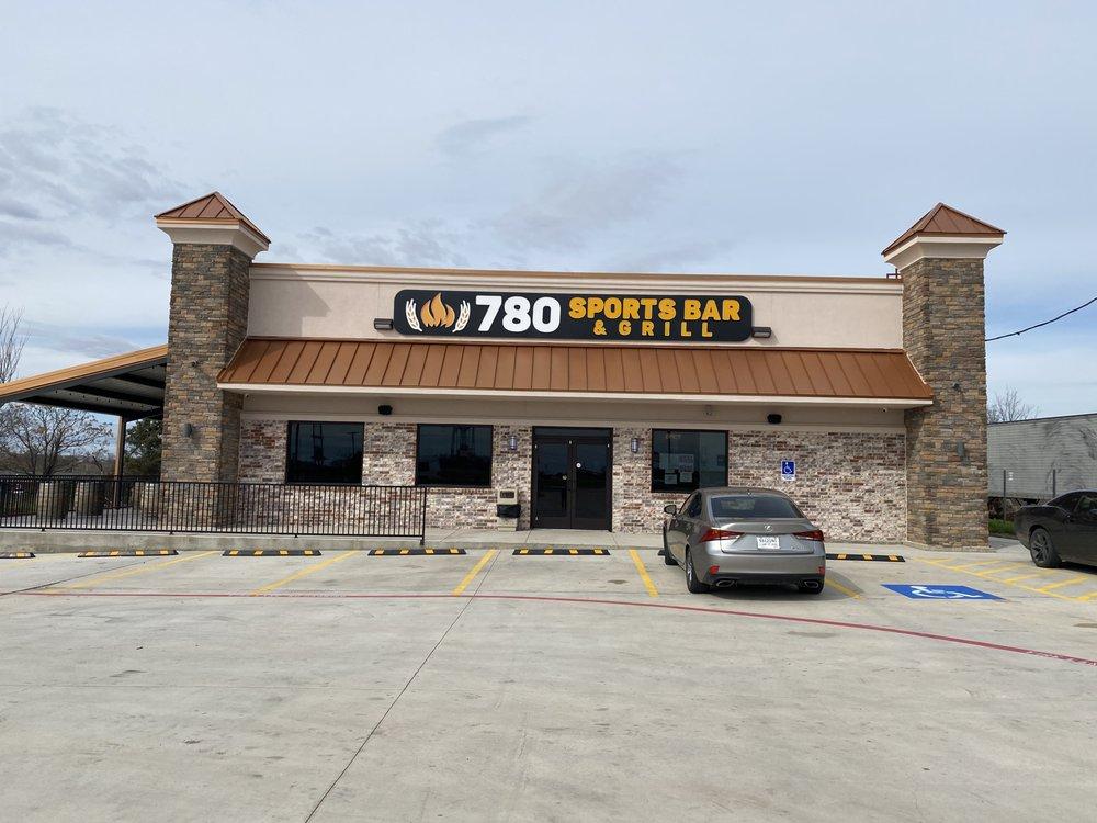 780 Sports Bar & Grill: 1209 Fm 780, Ferris, TX