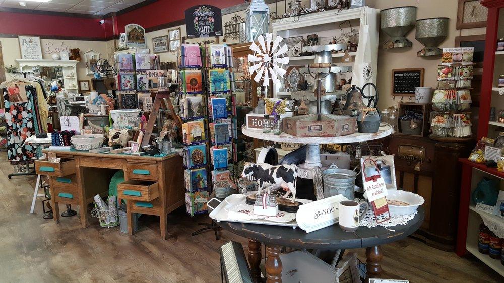 Farmer's Daughter General Store: 206 N Center Ave, Hardin, MT