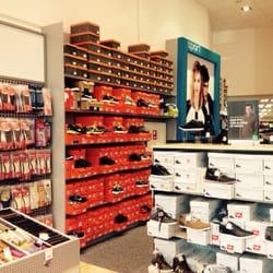 eccc40950d7 Billede af Deichmann Sko - Frederikshavn, Danmark. Butikken har ganske stor  herreavdeling også.