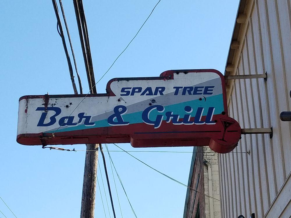Spar Tree: 106 W Stanley St, Granite Falls, WA