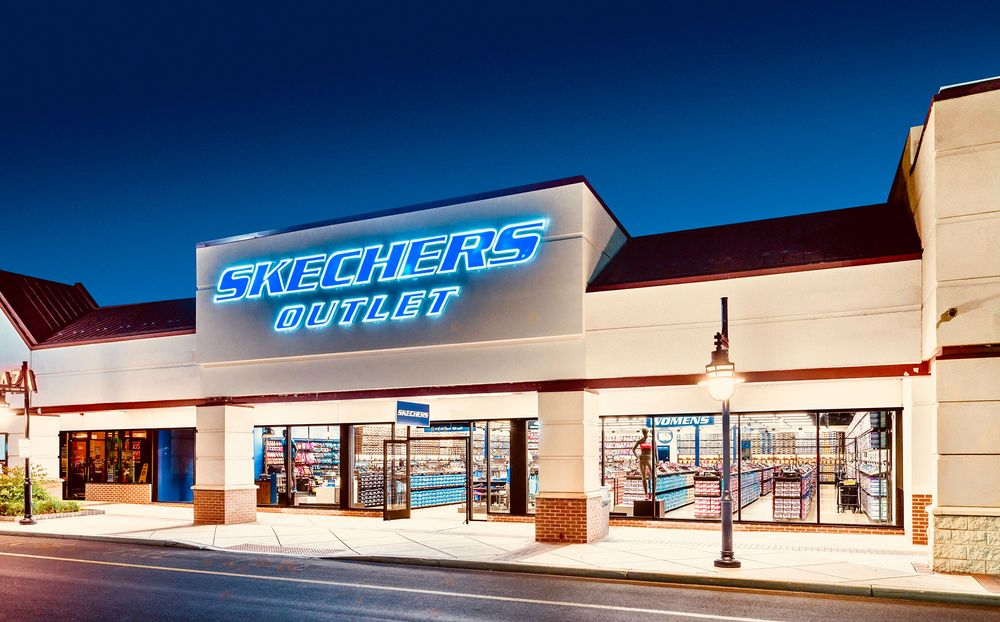 SKECHERS Factory Outlet: 4500 W Kellogg, Wichita, KS