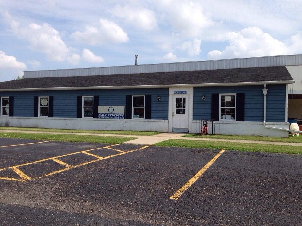 Memory Lane Classics: 24516 3rd St, Grand Rapids, OH