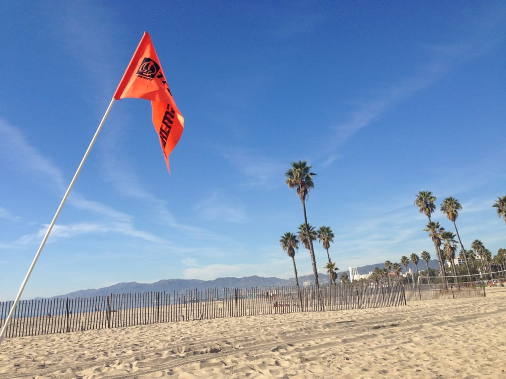Perrys Cafe And Beach Rentals Santa Monica Ca