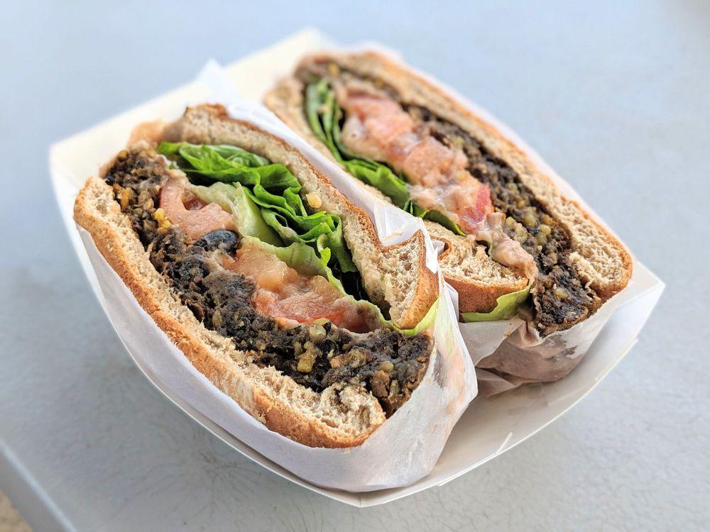 Hanalei Taro & Juice Company Lunch Wagons: 5-5070 Kuhio Hwy B, Hanalei, HI
