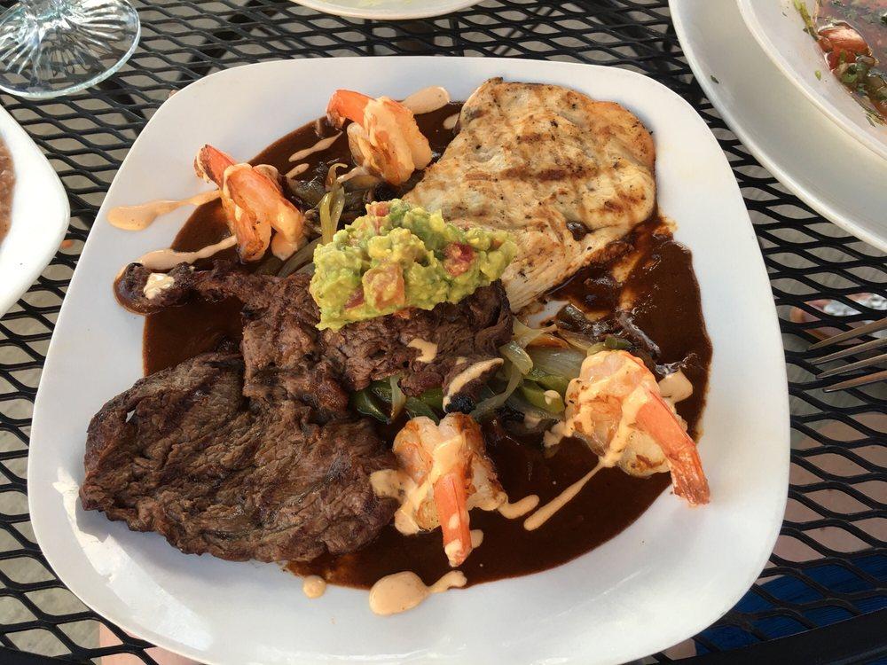Rio Distinctive Mexican Cuisine: 221 SE 5th St, Madras, OR