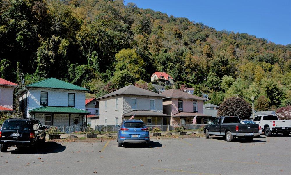 Glen Ferris Inn: US Rte 60 E, Glen Ferris, WV