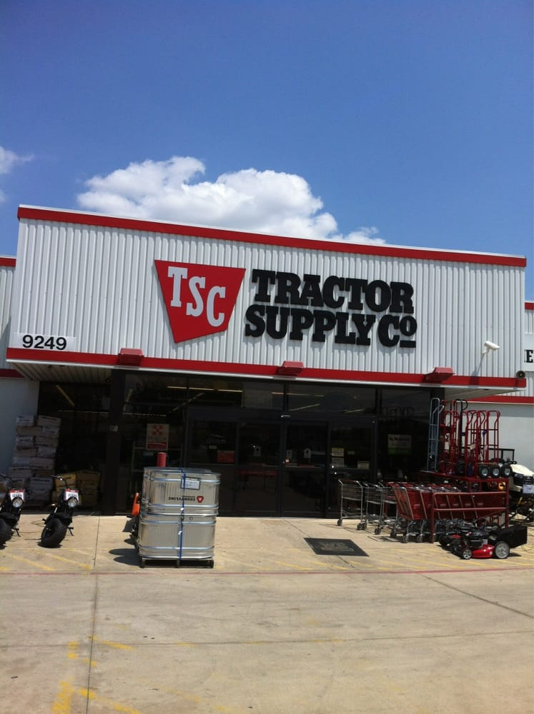 Tractor Supply Company: 9249 Highway 377 S, Benbrook, TX