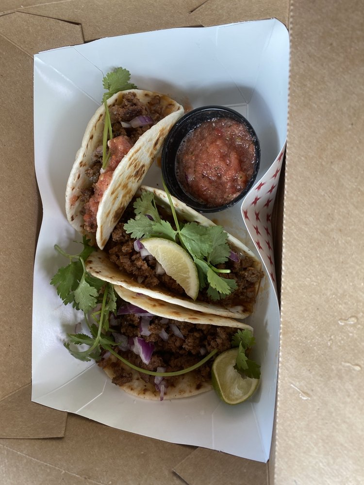Buffalo Bills Food Truck: 171 alpine way, Alpine, WY