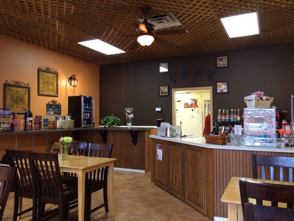 Cafe de Bella Vie: 111 E 2nd St, The Dalles, OR