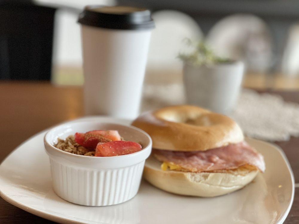 Richmond Cafe: 10321 N Main St, Richmond, IL