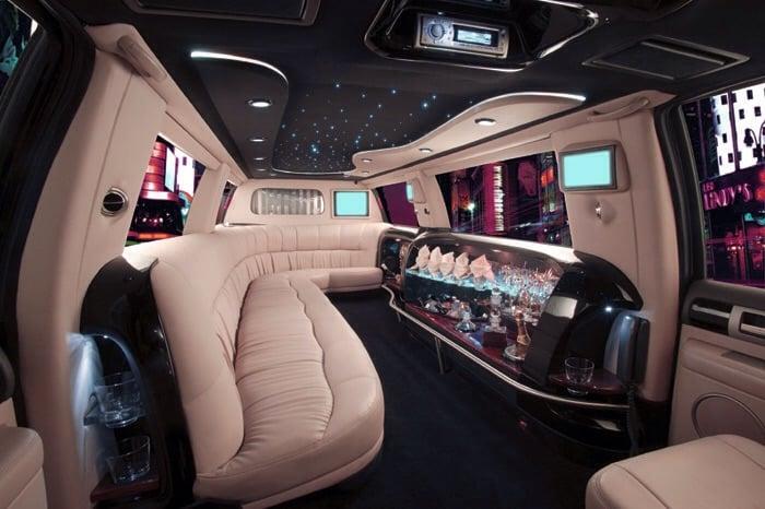 14passenger White Super Stretch Ford Excursion Limousine Interior
